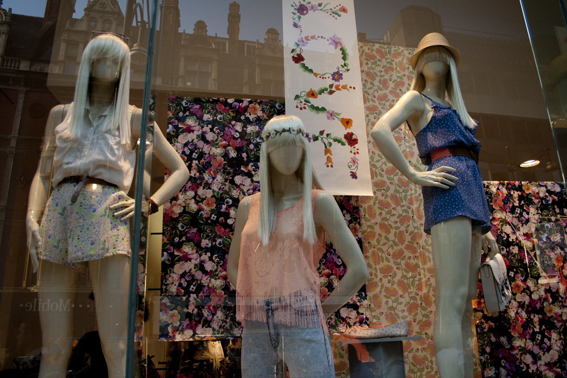 zara and h m price Globalization, zara and h&m the brand started to sell clothes for kids fashion and quality at the best price (h&m) h&m has been at the forefront of affordable chic for some time now from its swedish base, hennes.